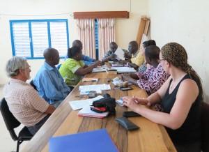 Séance de travail dans la salle du conseil municipal de Koupéla