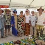 """Pour illustrer le thème """"cultures du monde"""" les membres du comité ont sorti leur tenue africaine !"""