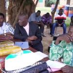 Le comité d'organisation. On recoonaît au fond à gauche, Clément Zoungrana, directeur de l'école de Pognini et à sa droite Dieudonné Kouraogo membre du comité communal de jumelage.